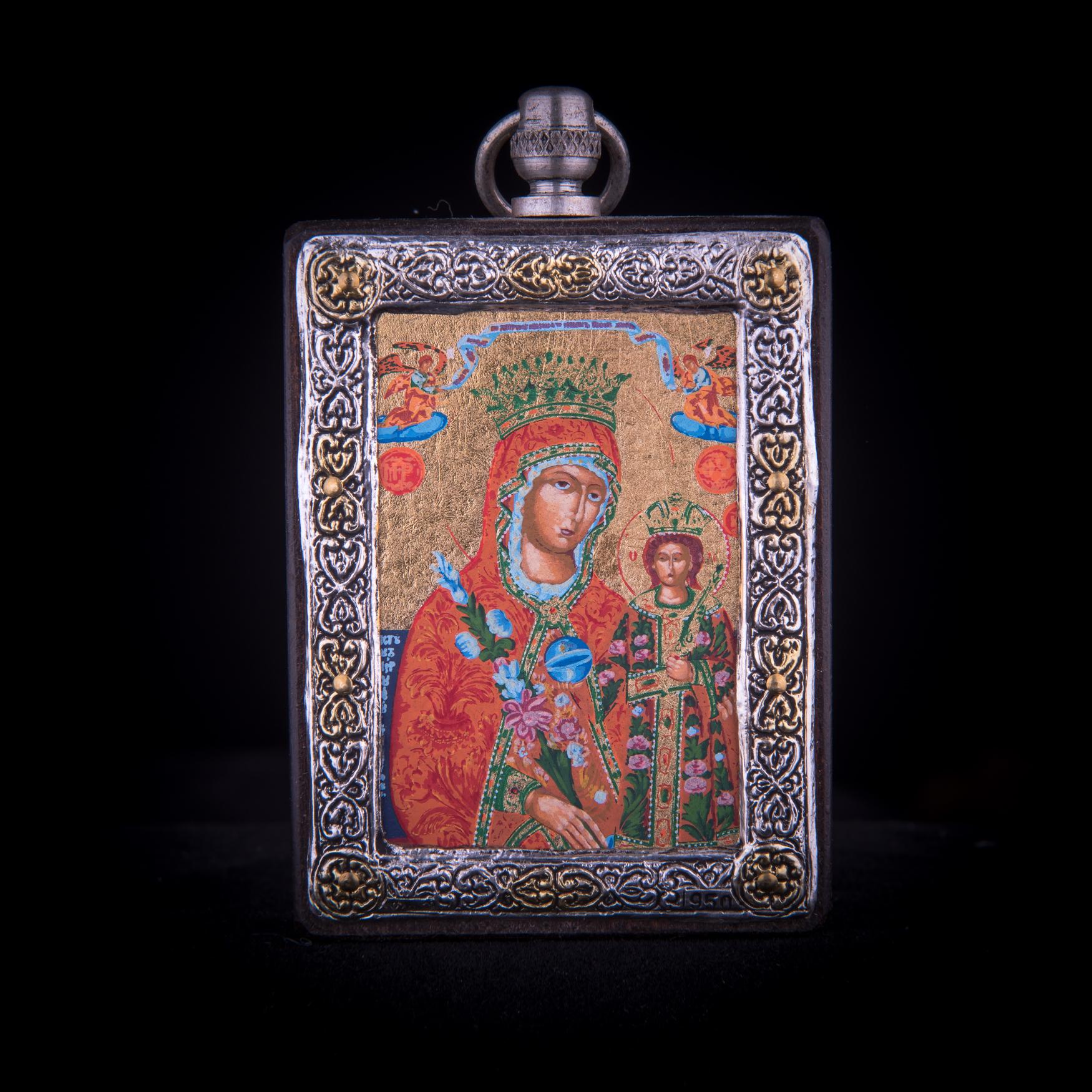 002/0034   Silver icon of virgin Mary