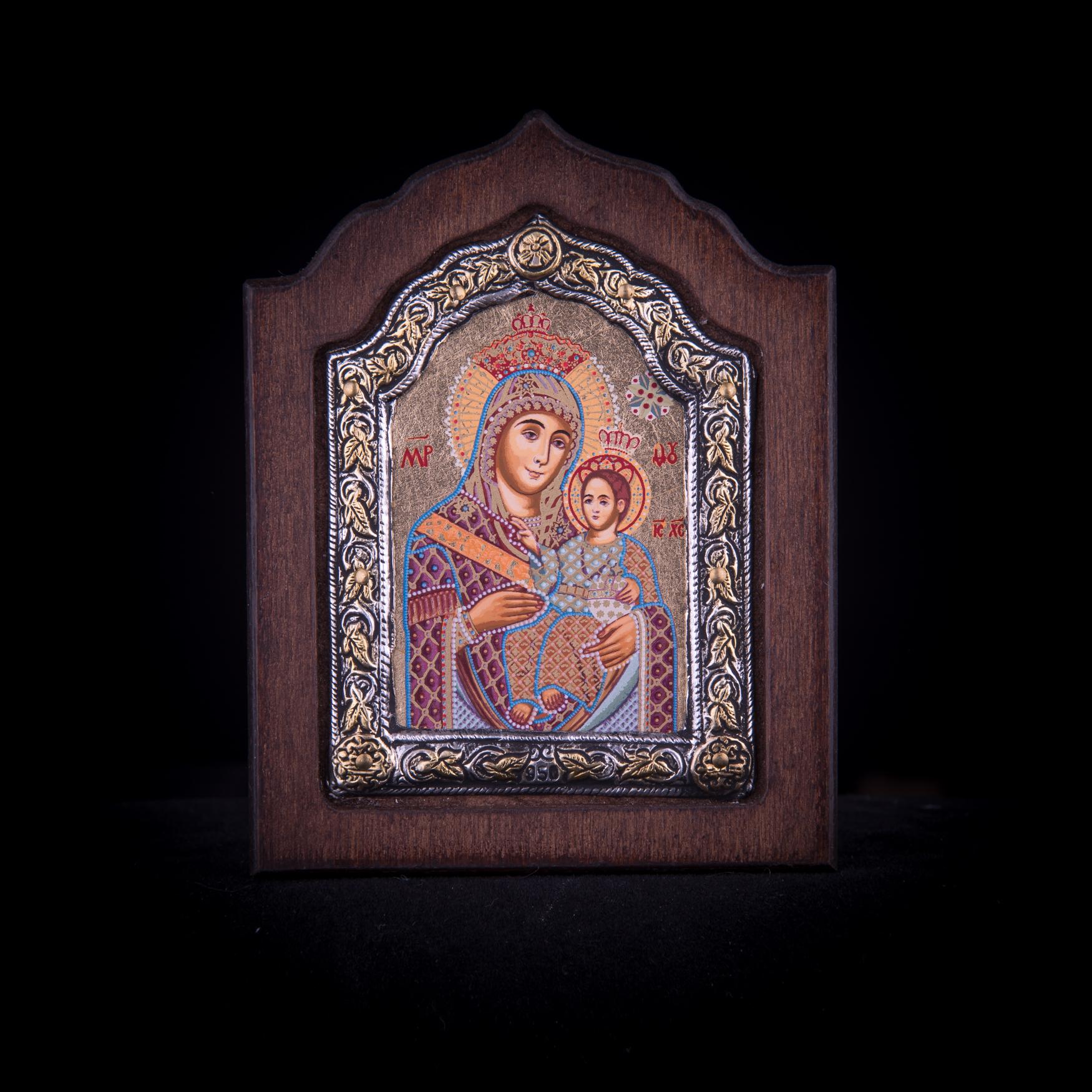 002/0051Silver icon of virgin Mary of Bethlehem