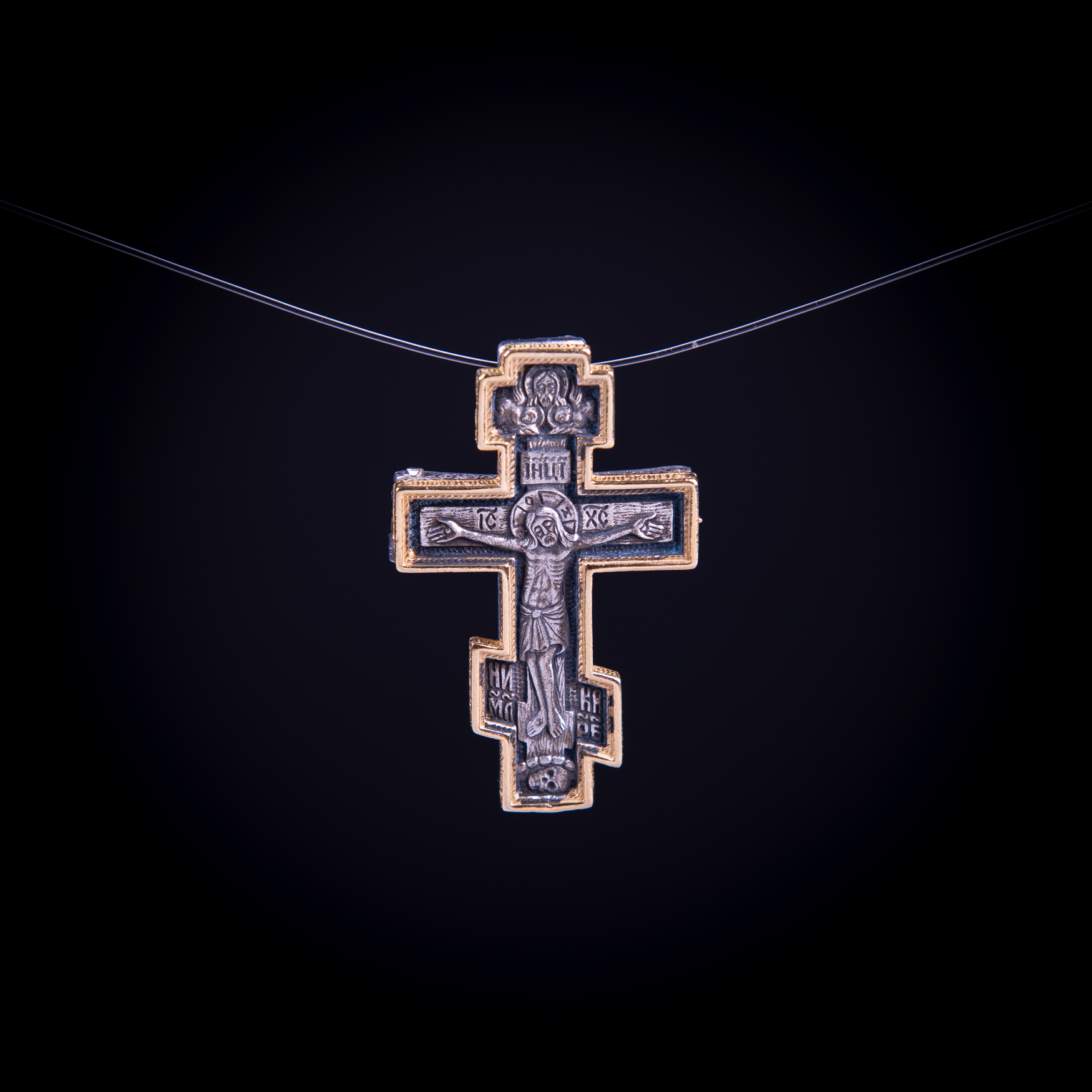 003/0111  Silver gold plated cross