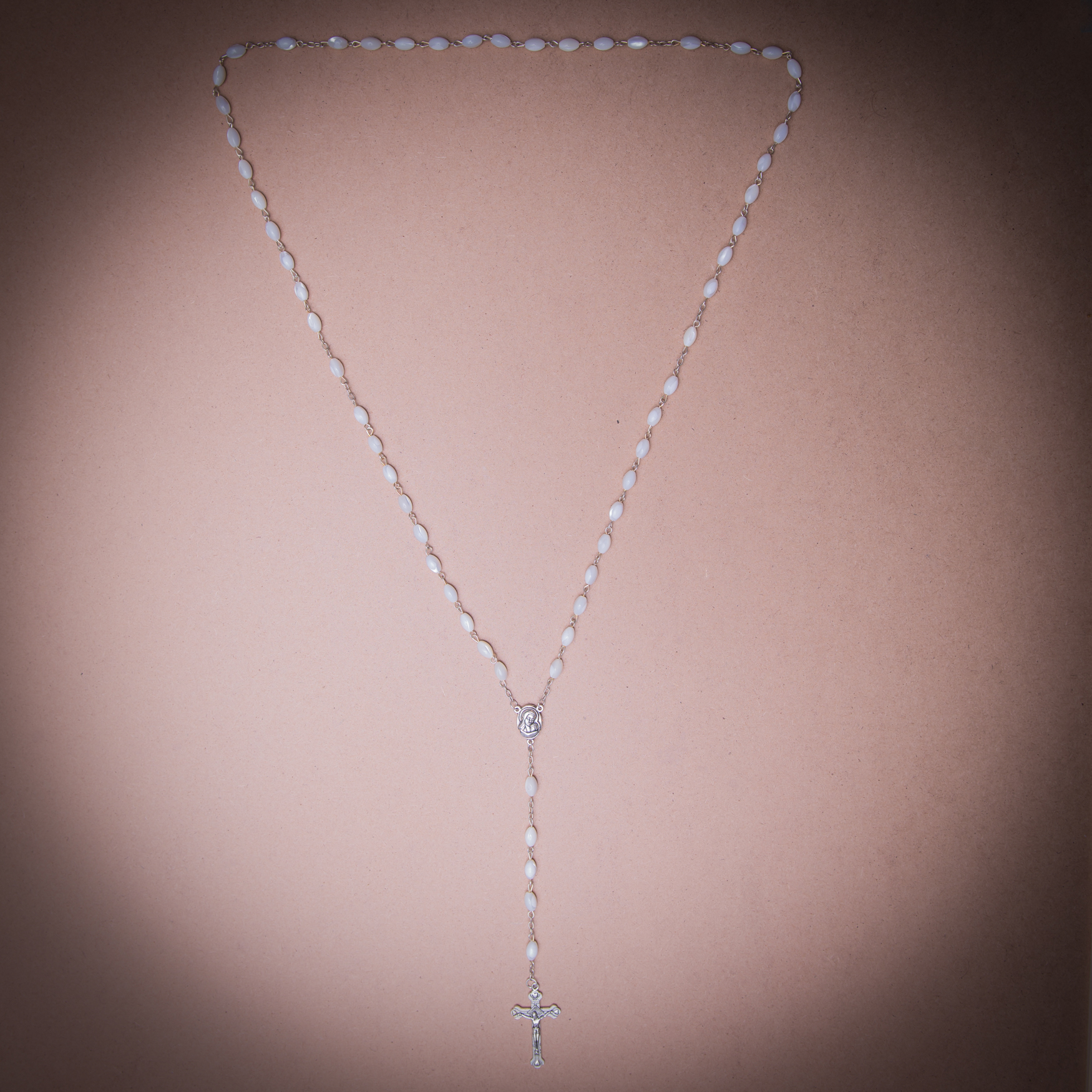005/0032 Mother of pearl rosary